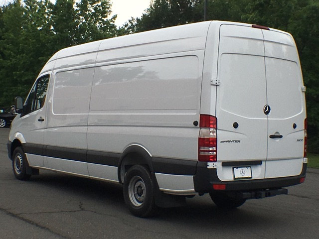 New 2017 mercedes benz sprinter 3500 cargo van cargo van for Mercedes benz sprinter cargo van